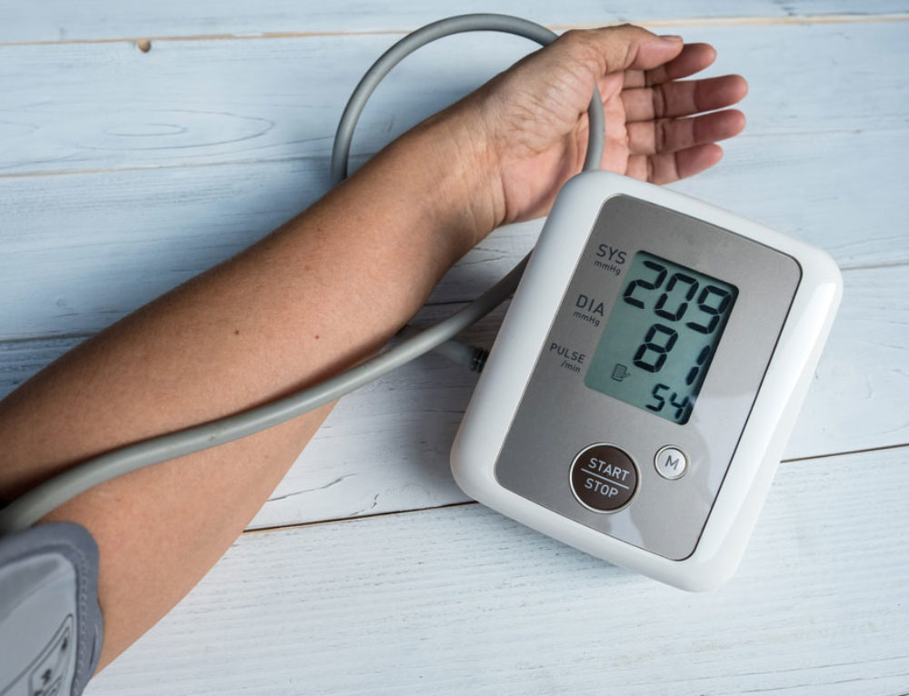 What is the normal range of diastolic pressure for adults